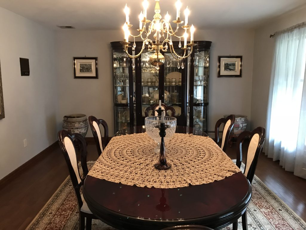 Timeless traditional dining room in northern new jersey