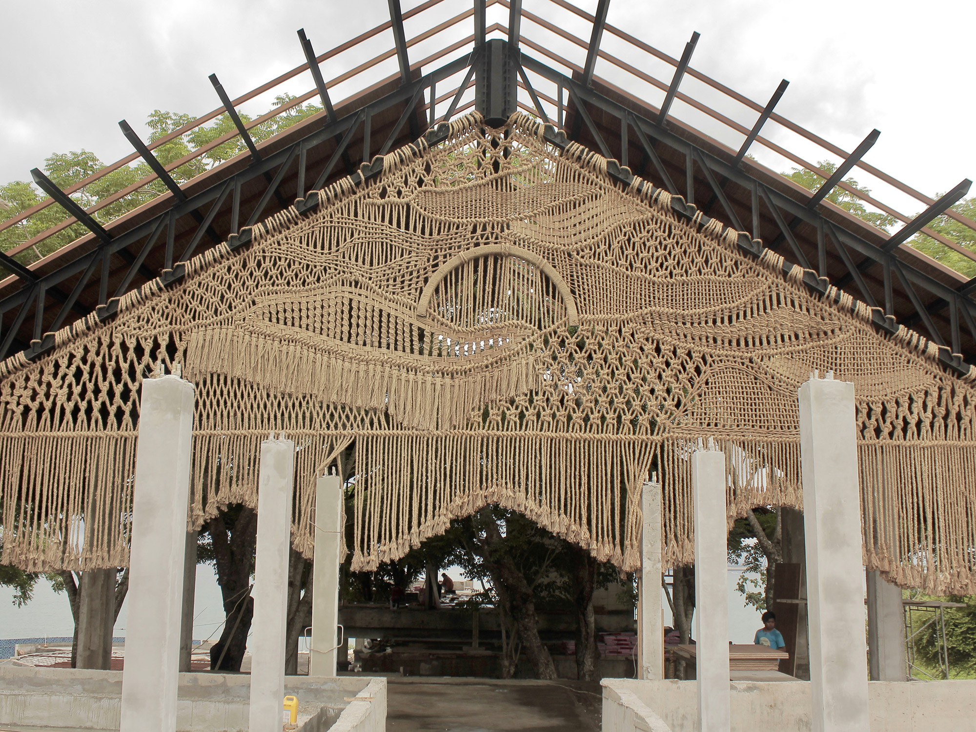 A Trio of Monumental Macramé Installations Stretch 37 Feet Across a Seaside  Structure in Bali | Colossal