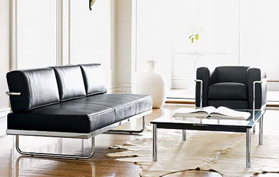 Lc5 sofabed padstyle interior design blog modern for Bauhaus sofa le corbusier