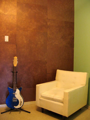 Add depth by sponge painting padstyle interior design for How to sponge paint a wall without glaze